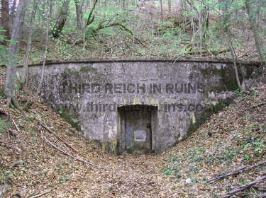 zu Hitlers-tunnel-syst...